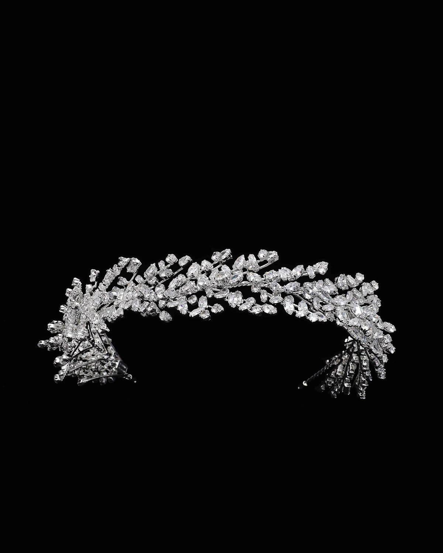 Fotografía profesional de los más hermosos tocados de nuestra sofisticada selección de accesorios par novias. Visita nuestras boutique en la Isla de Margarita y Caracas