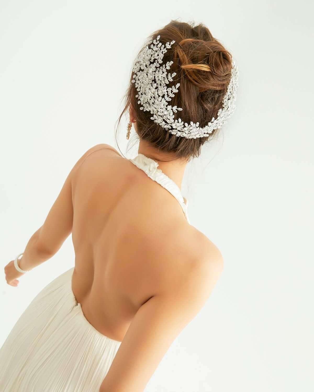 Los tocados de novia son un accesorio de bodas espléndido, cada vez está ganando más popularidad y se afirma la tendencia en la moda nupcial. Consigue tu cintillo o diadema de novia en Venezuela con Bridal Room Boutique