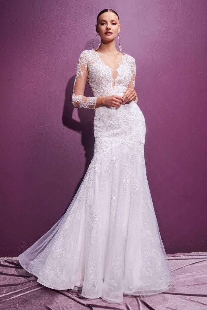 Enamórate con el vestido de novia Darelle. Con nosotras podrás conseguir tu vestido de novia soñado a un precio increíble. Tenemos contacto directon con algunos de los diseñadores de moda nupcial más influyentes de Europa