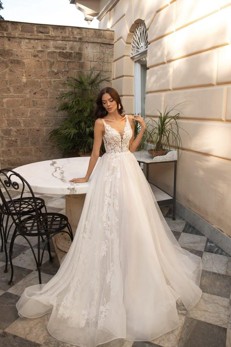 Vestidos de novia con silueta de pricesa - Lucesposa vestido corte A - bridalroomboutique: la mejor tienda de novias en Venezuela con showrooms y boutiques en Caracas y Margarita
