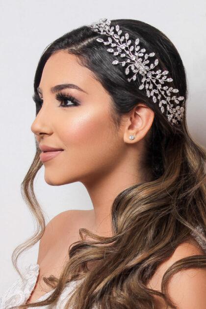 Luce como una solemne princesa el día más feliz de tu vida, tu boda en Venezuela - Completa tu look nupcial con los mejores accesorios de novias en nuestras tiendas boutique para bodas en Margarita y Caracas, Venezuela