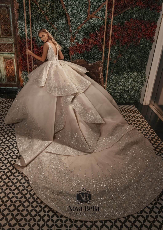 Los más lujos y exclusivos vestidos de novia en Venezuela - Diseñadores europeos de moda nupcial NOVA BELLA - Consigue este vestido de novia en Margarita y Caracas, Venezuela con Bridal Room Boutique