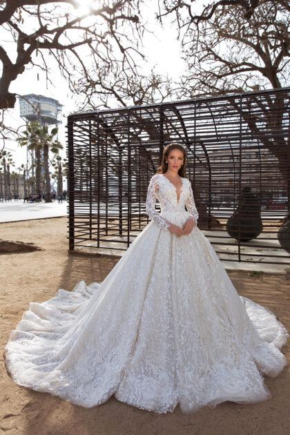 Vestidos de novia con pedrería en Caracas, Venezuela - Bridal Room Boutique tenemos todo para tu vestimenta y boda, velos, tocados, calzado y joyería para esposas