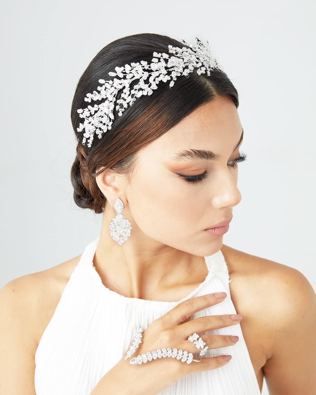 Cintillos y tocados para novias en la Isla de Margarita y próximamente en Caracas, Venezuela - Bridal Room Boutique: todo para tu look nupcial