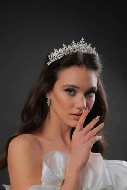 Tocados para novias en Venezuela, en nuestras boutique para bodas podrás encontrar las más lindas coronas para novias en la Isla de Margarita y Caracas, Venezuela