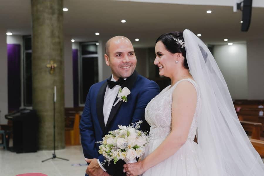 Gabriela Primavera - Una boda con una novia impecable, diseño de moda nupcial de alta costura, ingresa a nuestra tienda en línea para ver nuestro catálogo nupcial y de vestidos de fiesta