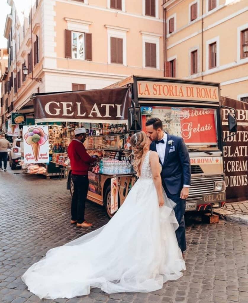 Hermoso matrimonio en Italia, en Bridal Room Boutique podemos asesorarte y tener tu vestido de novia ideal en Caracas, Margarita o cualquier parte de Venezuela o el resto del mundo
