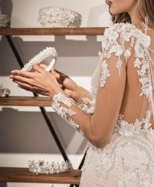 Además de ser la decisión de las novias en cuanto a vestidos de novias en Caracas, Venezuela o Margarita, nos destacamos también por nuestros preciosos tocados para novias en Venezuela