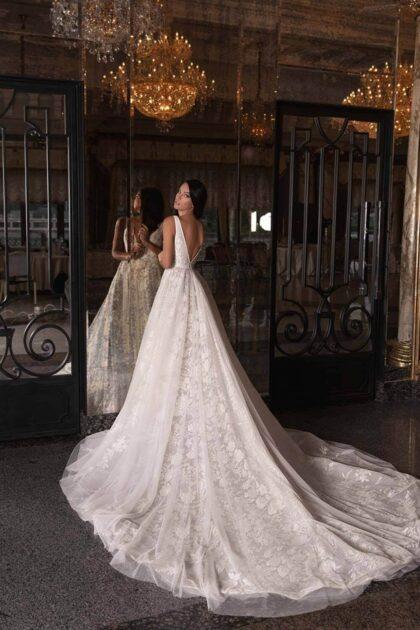 Vestidos de novia con tela de tul, encajes y escote en V - Consigue tu vestido de novia en Venezuela con nosotras: Bridal Room Boutique