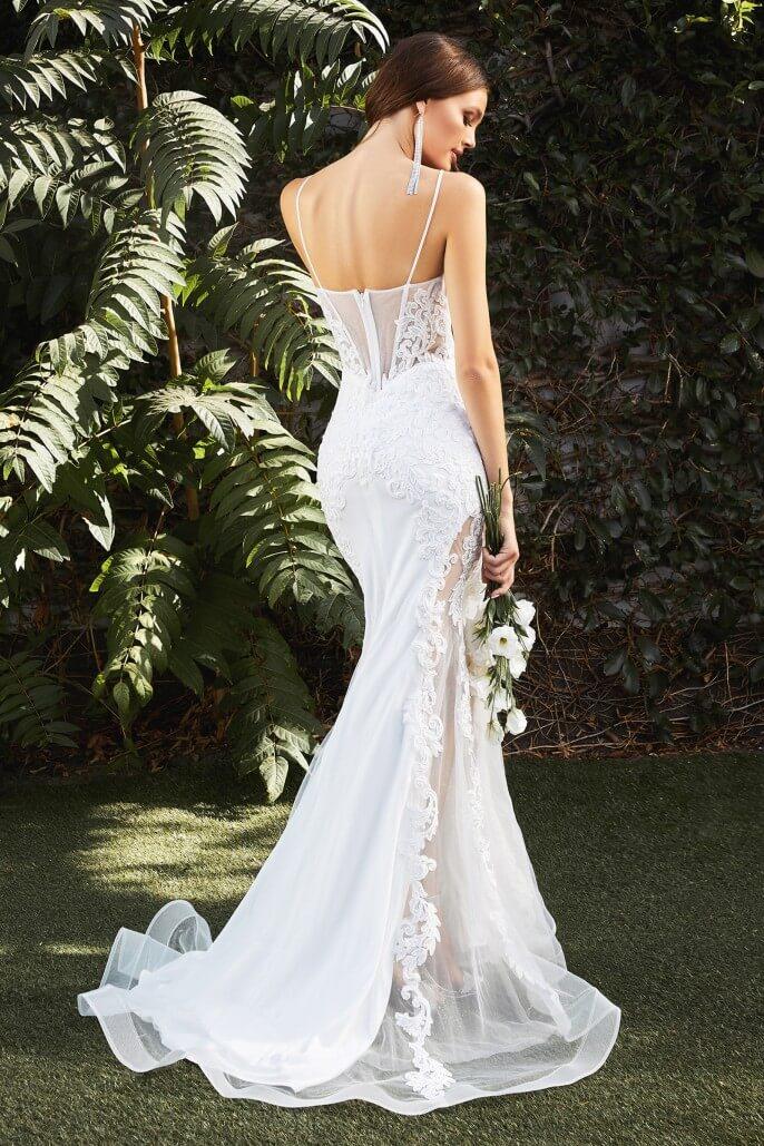 Si estás buscando un vestido de novia de alta costura, hermoso y de máxima calidad a un bajo costo en Venezuela, haz llegado al lugar indicado, nuestra Basic Collection tiene todo eso y más