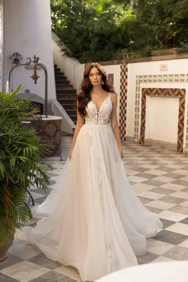 Luce como toda una princesa, visita nuestro catálogo de vestidos de novias en Venezuela para encontrar el vestido de tus sueños: BridalRoomBoutique VE