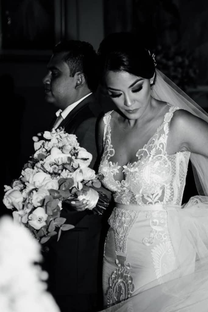 Vestidos de novias en Panamá - Bridal Room Boutique te ofrece los mejores velos y tocados a los mejores precios y con la máxima calidad y diseño de moda europeo