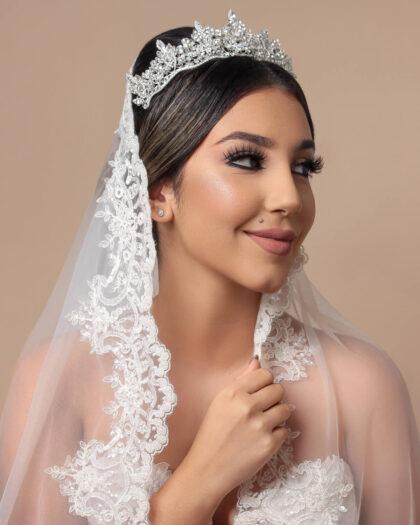 Consigue los mejores velos y tocados para novias en Venezuela, en nuestras tiendas boutique para bodas en Margarita y próximamente en Caracas, Venezuela