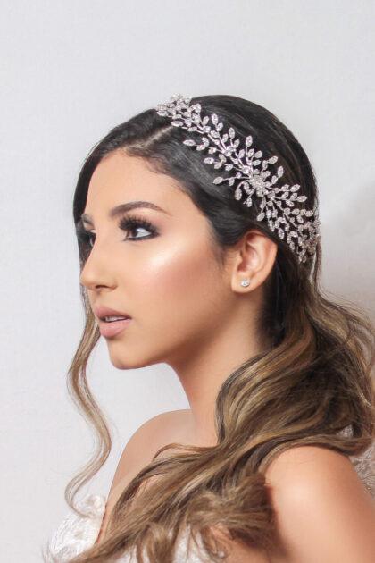 Descubre la mejor variedad de tocados para novias en Venezuela, consigue tu cintillo nupcial, los mejores precios en tiaras, coronas y peinetas