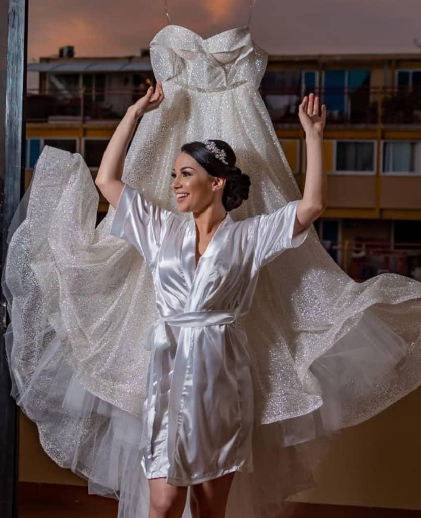 Vanessa Ambitar - En Bridal Room Boutique tenemos TODO para tu look nupcial y tu boda en Venezuela, los mejores velos, tocados y calzado para novias