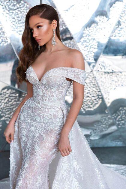 Vestido de novia con corte sirena y sobrefalda en tela chatilly con lentejuelas y bordados - Tienda de novias en Caracas y la Isla de Margarita, Venezuela