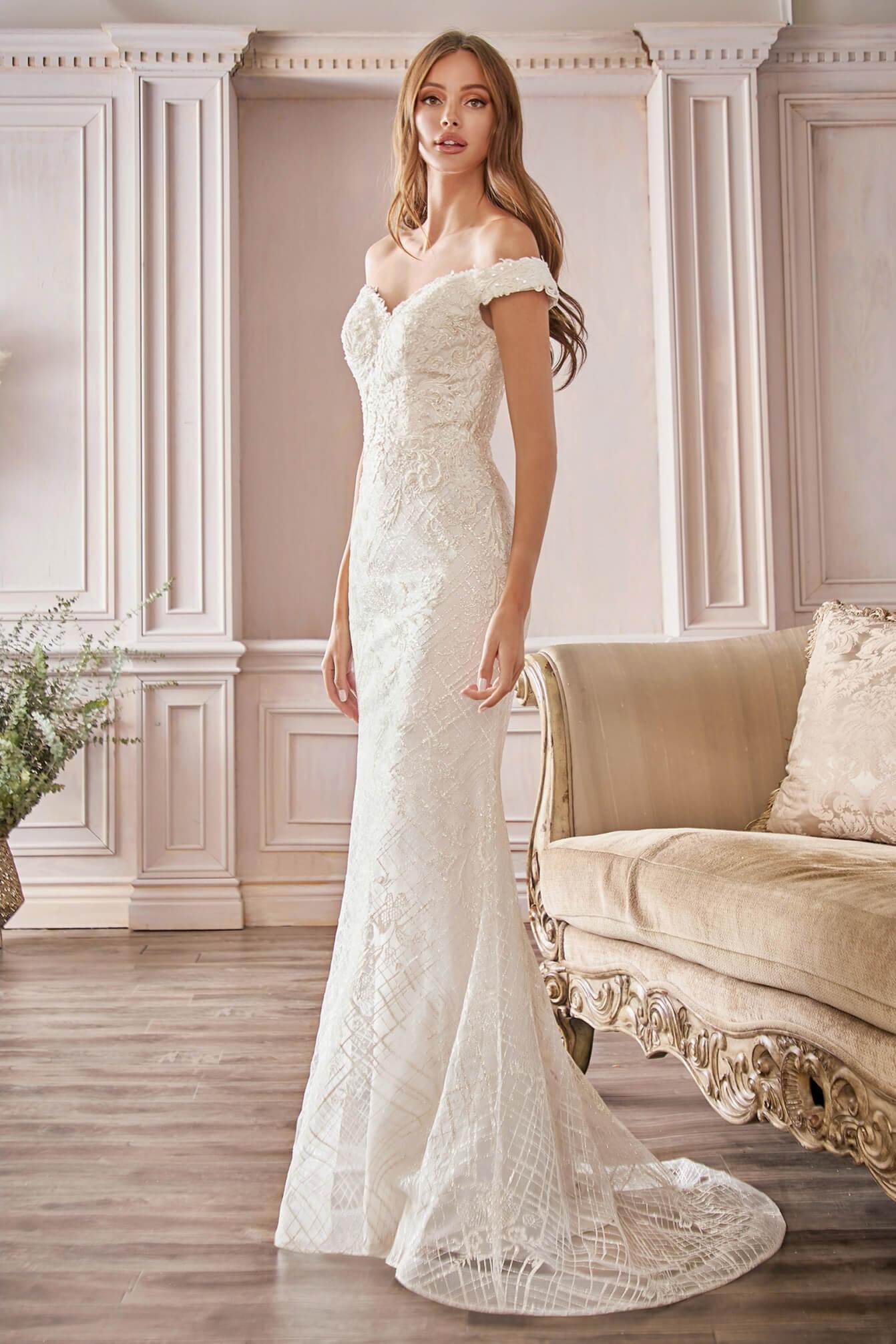 Luce única con el vestido de novia Allison, con su silueta de corte Sirena y Corte Columna, te verás majestuosa el día de tu boda. Tenemos los mejores precios de Venezuela en todo para tu vestimenta de bodas