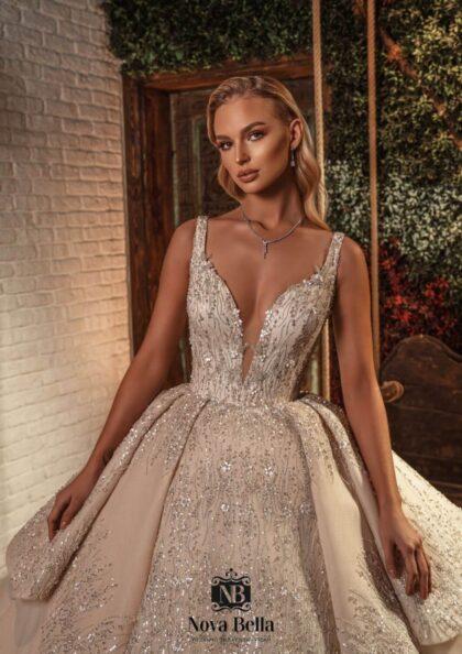 Descubre nuestra colección de vestidos de novia de lujo en Venezuela. Visita nuestros showrooms boutique para novias en la Isla de Margarita y próximamente (2022) en Caracas, Venezuela