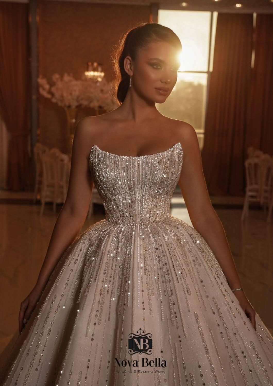 Vestidos de novias impactantes - Diseñados a mano por los diseñadores de moda nupcial NOVA BELLA - Modelo Cassandra, compra tu vestido de novia en Margarita y próximamente en Caracas