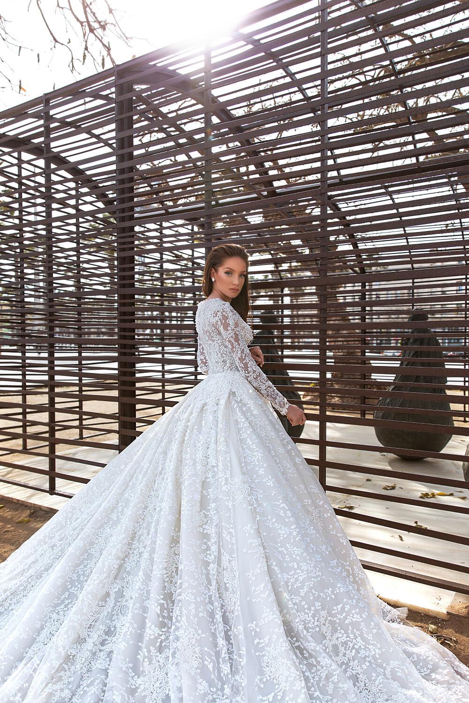 Vestido de novia Nelson de los diseñadores de moda WONÁ Concept, con bordado, encajes y pedrería, consigue tu vestido de novia perfecto en nuestras boutiques para novias en Caracas y Margarita, Venezuela