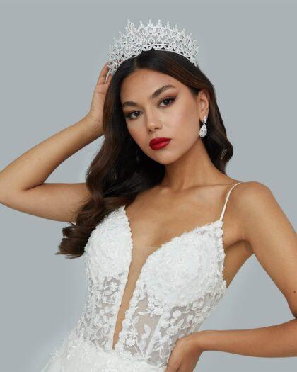 Pide tu cita online de accesorios de novias y maravíllate con las hermosas opciones que tenemos, cada una más bella que la otra, adaptada a todos los estilos, clásico, moderno, sexy, boho, minimalista, despampanante, entre muchos más