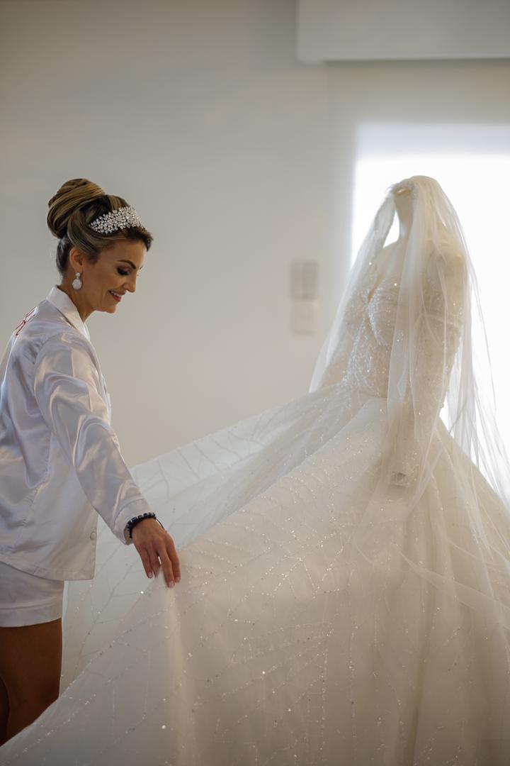 Randa Aamer - Bride feliz con su vestido de novia en Venezuela - Bridal Room Boutique: tu tienda de novias