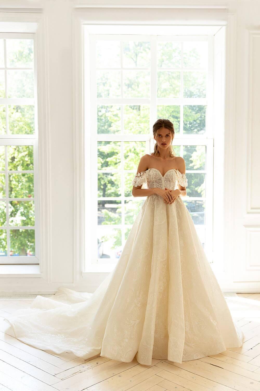 Wedding dresses Venezuela - Diseño de moda para bodas, diseñadores de moda nupcial - Además de tener los más lindos vestidos de novias, tenemos tocados, velos, calzado y joyería