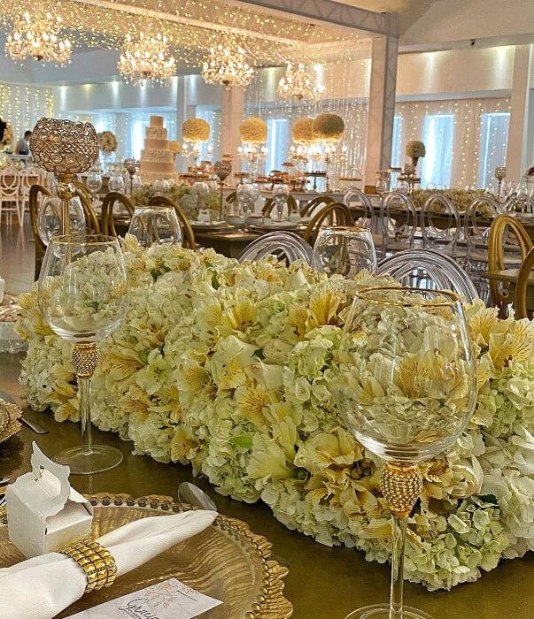 Floristería profesional para eventos y bodas - Arreglos florales majestuosos para bodas en la Isla de Margarita, Venezuela: Amor Amor Eventos
