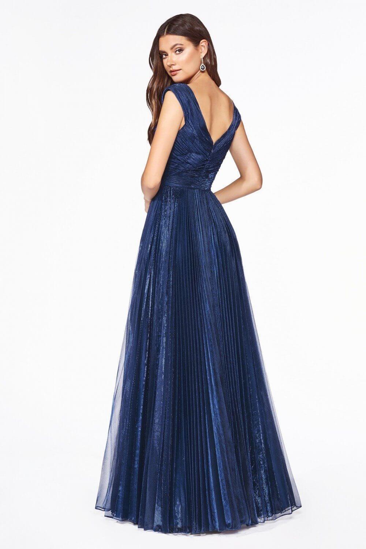 Sé la estrella de la fiesta con este vestido de gala en Venezuela, disponible en nuestras tiendas boutique de la Isla de Margarita y próximamente en Caracas, Venezuela