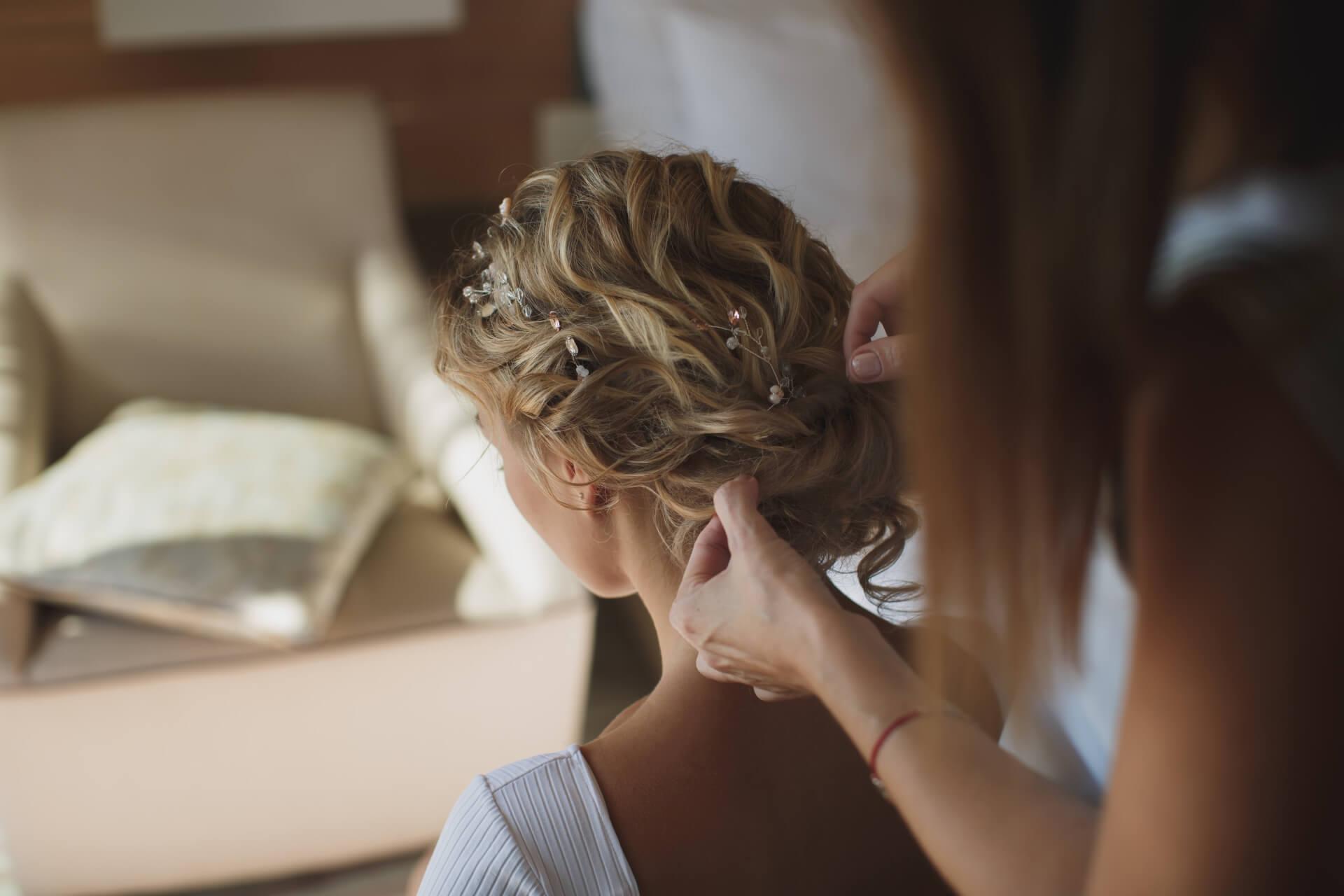 Estilistas para bdoas en Margarita, Venezuela, profesionales expertos en peinados para novias en la Isla de Margarita, estilimo para novias y bodas