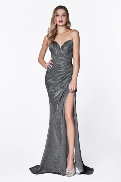 Este color de vestido de gala largo está disponible solo bajo pedido. Hacemos envíos nacionales en Venezuela e internacionales