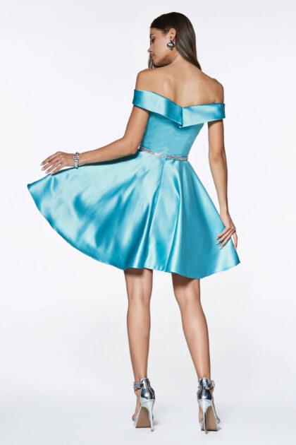 Este color de vestido de fiesta está disponible en Margarita y próximamente en Caracas, Venezuela solo bajo pedido. Agenda tu cita