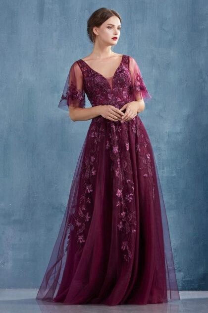 Tenemos una amplia variedad de vestidos de fiesta en Margarita, Venezuela. Descubre todos nuestros diseños en el catálogo online de Evening Dress Boutique