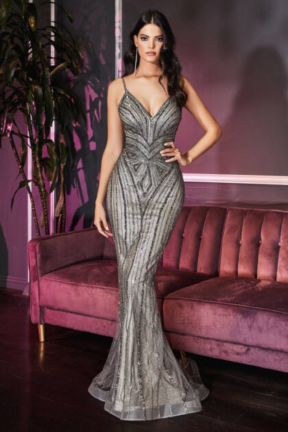 Vestido metálico entallado con escote en V con pedrería art decó - Evening Dress Boutique