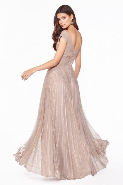 Evening Dress Boutique es una reconocia marca de tienda de ropa para damas en Venezuela, especializada en vestidos de fiesta y vestidos de gala, estilos exclusivos y alta costura al mejor precio