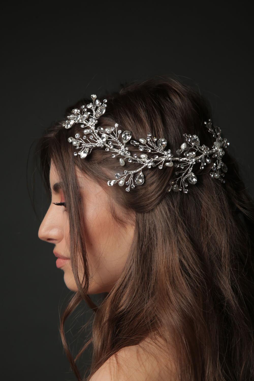 En Bridal Room Boutique somos expertas en accesorios para bodas, tenemos la mejor selección de tocados de novias, los mejores precios de diademas, tiaras, coronas y cintillos nupciales en Venezuela