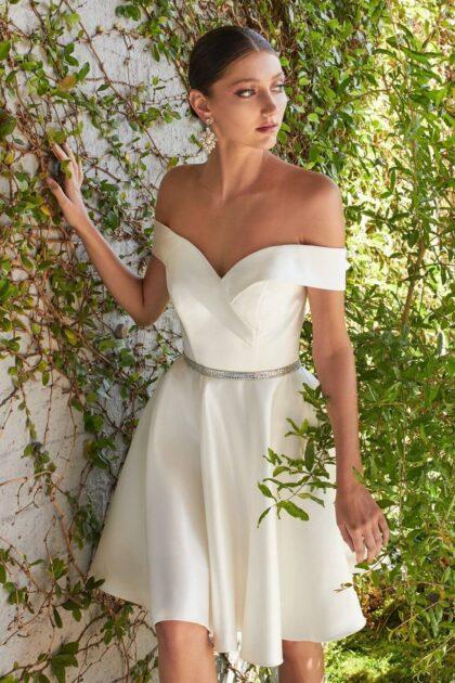 Delicados y sofisticados diseños de vestidos de fiesta ideales para eventos importantes, cócteles o reuniones formales - Luce preciosa: Evening Dress Boutique
