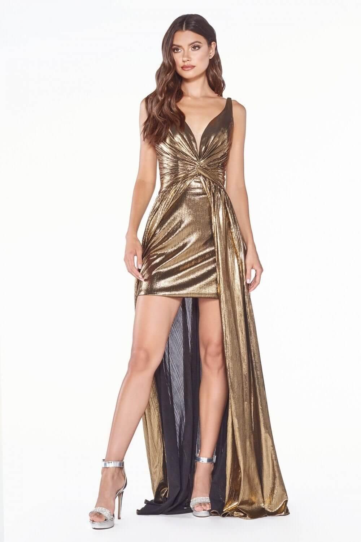El color dorado de este vestido de gala en Venezuela está disponible solo bajo pedido - Evening Dress Boutique