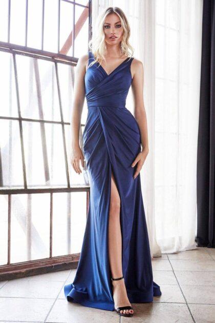 Este hermoso vestido ya se encuentra disponible solo bajo pedido, resérvalo online ahora en nuestro sitio web