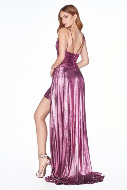 En Evening Dress Boutique nos dedicamos con esmero a conseguir el vestido de gala ideal para ti en Venezuela, adaptado a tu talla, estilo y presupuesto