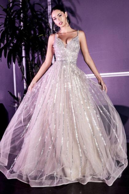 Vestidos de fiesta de tul con silueta corte A y escote profundo - Luce como una princesa en tu próximo evento en Margarita o Caracas, Venezuela
