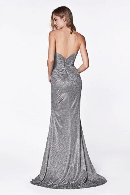 Diseños únicos de vestidos de fiesta largos, con espalda con escote en V profundo totalmente descubierta para un look sexy y seductor
