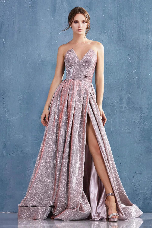 Vestido de fiesta Ada - Sé la reina de la noche con un hermoso vestido de fiesta largo con cola y tela metalizada con glitter