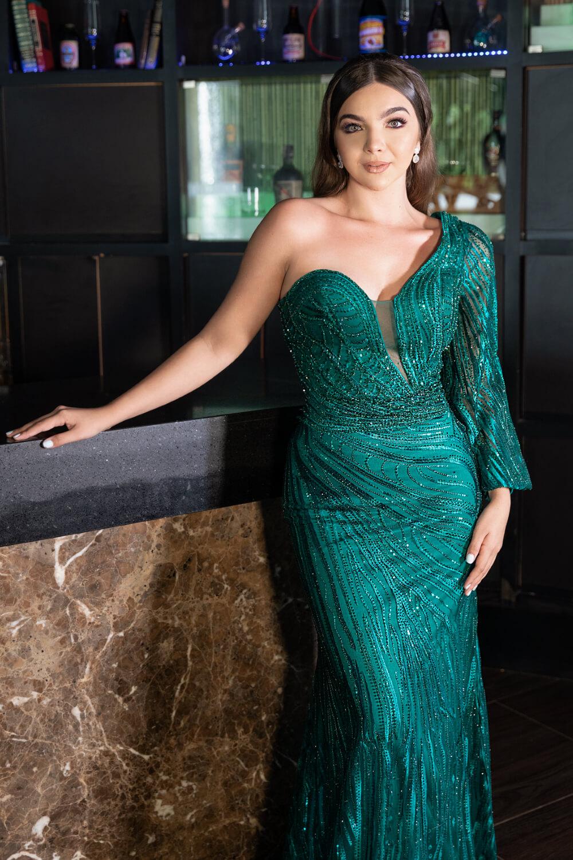 Vestidos de gala en Caracas, Venezuela - Evening Dress Boutique - Diseños exclusivos de vestidos de fiesta con escote asimétrico