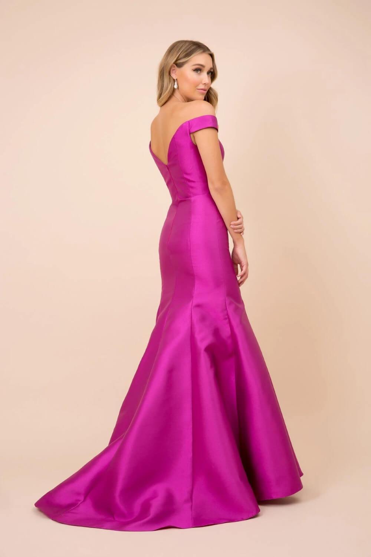 Somos expertas en moda femenina, importamos la mejor selección de vestidos de fiesta en Venezuela al mejor precio del mercado