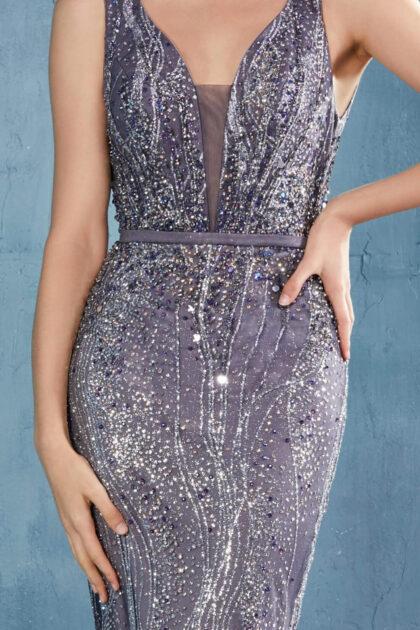 Detalles de lentejuelas en elegante vestido de fiesta con escote en V - Evening Dress Boutique, Margarita, Venezuela