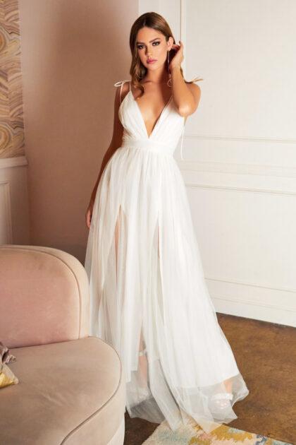 El color Off-white en este vestido de gala te hará ver angelicamente elegante y solemne, en Evening Dress Boutique tenemos la más amplica variedad de vestidos de fiesta