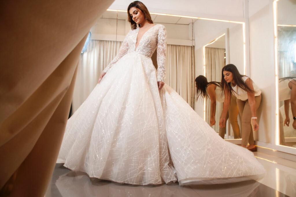 Atención 100% personalizada a cada cliente, para que vivan una experiencia única y encantadora consiguiendo su vestido de novia en Venezuela