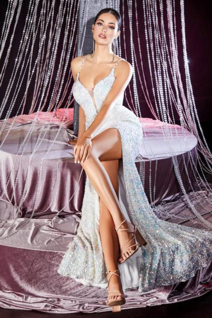 El escote en V profundo es un atributo de los vestidos de fiesta que nunca pasará de moda, consigue tu vestido ideal en Venezuela con Evening Dress Boutique