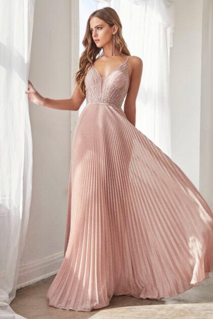 El color Dusty Rose de este vestido de gala largo en Venezuela está exclusivamente disponible bajo pedido, podemos ordenarlo en tallas desde la XS hasta 5XL